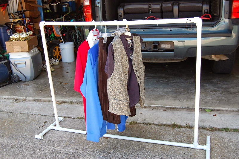 How to make a clothes rack from pvc pipe