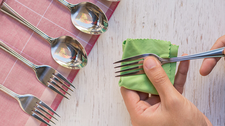 How to clean cutlery