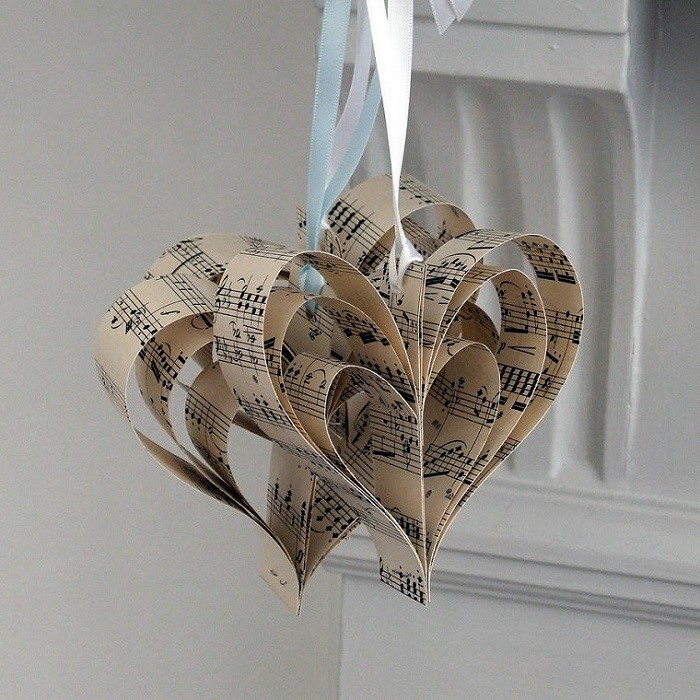 Hearts with notes for the Christmas tree